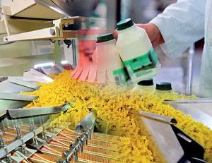 صنعت غذا خواستار آزادسازی قیمت هاست/ کاهش قیمت ها را تضمین می کنیم