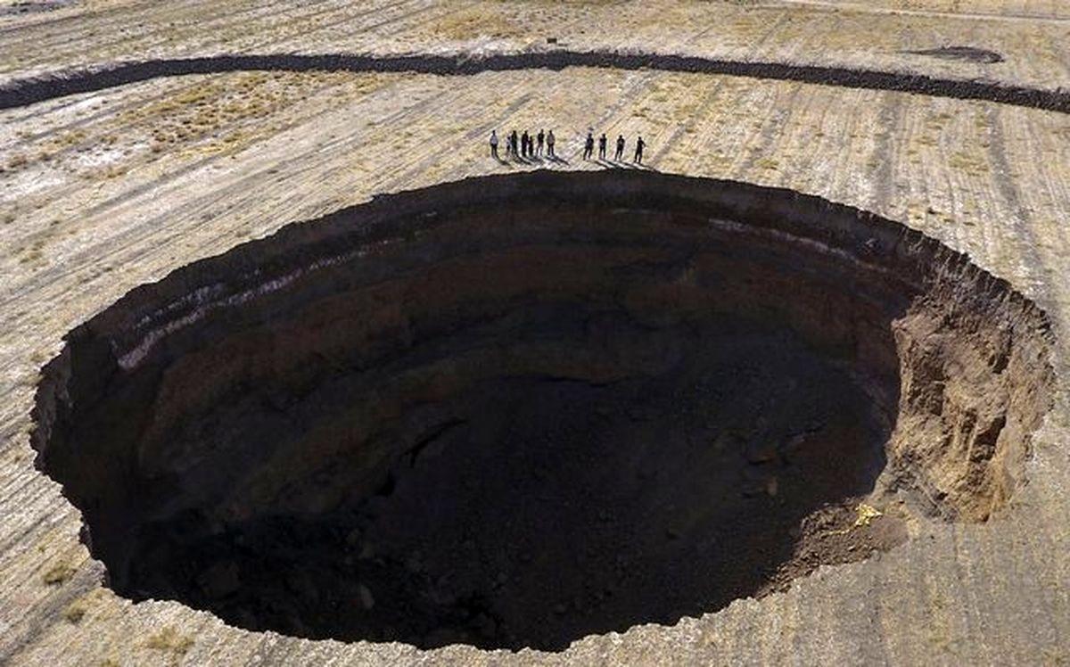 فیلم / فرونشست زمین در ورامین بحرانی شد